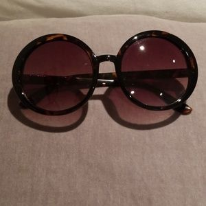 Accessories - 🔴 Stylish brown color circle frame sunglasses